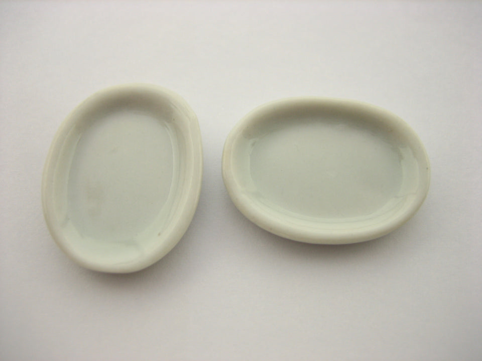 Mini White Oval Plate Dish 17x23mm Dollhouse Miniatures Ceramic Supply