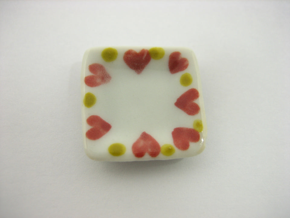 20x20mm Red Heart Paint 10 Square Plate Dish Dollhouse Miniature Ceramic 12829