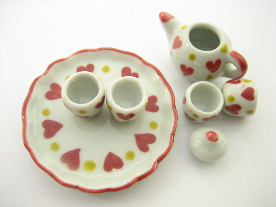 Dollhouse Miniature Ceramic Red Heart Paint Tea Cup Tea Pot Kitchenware 13243