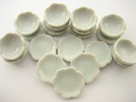 Mixed 20 White Scallop Plates Bowl Dollhouse Miniatures Ceramic Dinner Set 13340