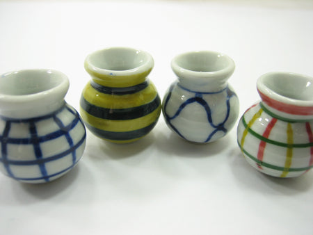 4 Hand paint Vases Dollhouse Miniatures Ceramic Garden Flower Supply 13357