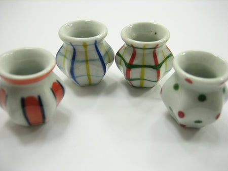 4 Hand paint Vases Dolls House Miniatures Ceramic Garden Flower Supply 13360