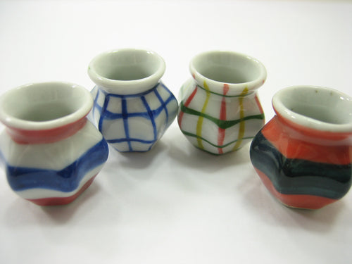 4 Hand paint Vases Dolls House Miniatures Ceramic Garden Flower Supply 13362