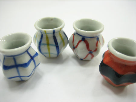 4 Hand paint Vases Dollhouse Miniatures Ceramic Garden Flower Supply 13363