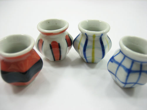 4 Hand paint Vases Dolls House Miniatures Ceramic Garden Flower Supply 13364