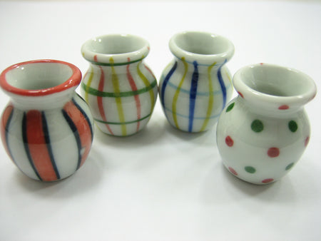 4 Hand paint Vases Dolls House Miniatures Ceramic Garden Flower Supply 13366