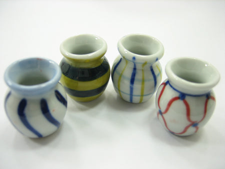 4 Hand paint Vases Dollhouse Miniatures Ceramic Garden Flower Supply 13371