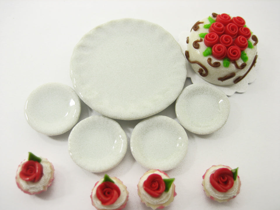 Dollhouse Miniatures Food Cake & Red Rose Cupcake Ceramic Plate Lover Set 13379