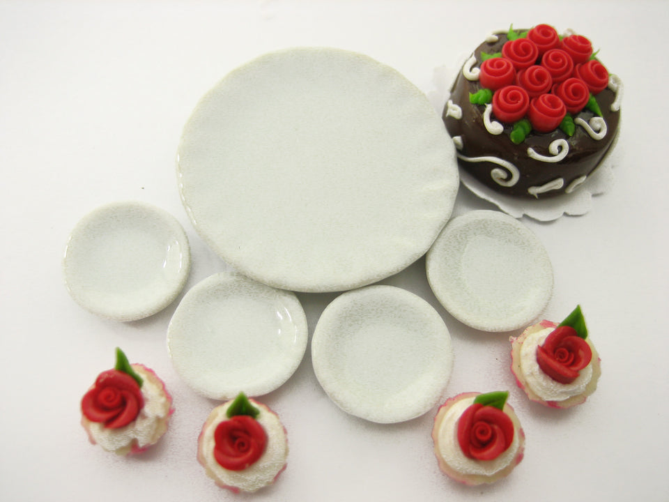 Dollhouse Miniatures Food Cake & Red Rose Cupcake Ceramic Plate Lover Set 13380