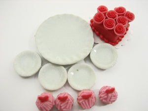 Dollhouse Miniatures Food Cake & Rose Cupcake Ceramic Plate Lover Set 13381