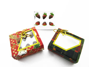 Dollhouse Miniature 2 Paper Boxes Chocolate Strawberry Dessert Christmas 13624