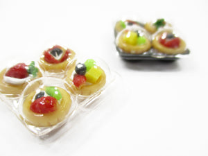 Dollhouse Miniature 2 Plastic Pack Of Fruit Cup Cake Dessert Bakery Supply 13628