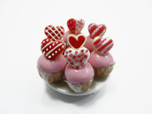 Dollhouse Miniature Food Plate Valentine Cup Cake Handmade Supply Charms 13686