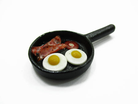 Dollhouse Miniatures Frying Pan Egg Bacon Cooking Kitchen Preparation 13689