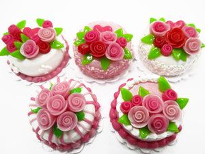 Dollhouse Miniatures Food Set 2cm 5 Mixed Rose Flower Cake Supply Charms 13702