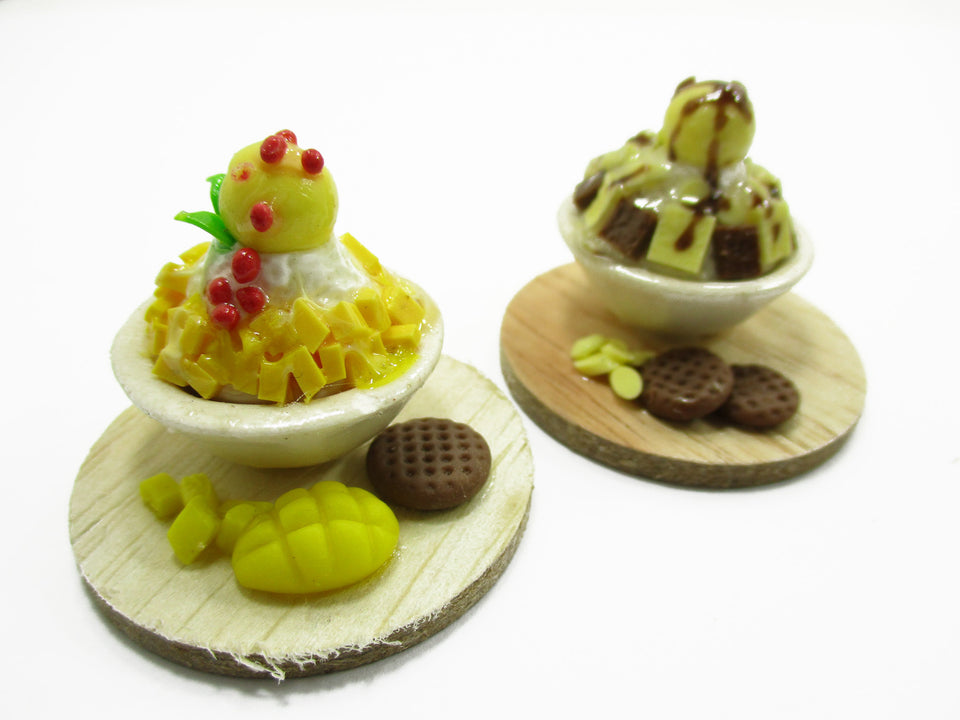 Dollhouse Miniature Food 2 Flavors BingSu Korean Dessert Fruit Snowflake 13807