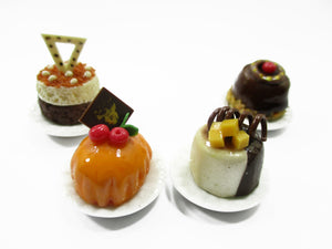 Dollhouse Miniatures Food 1:12 Mini Luxury Cake Dessert Ceramic 4 Plates 13933