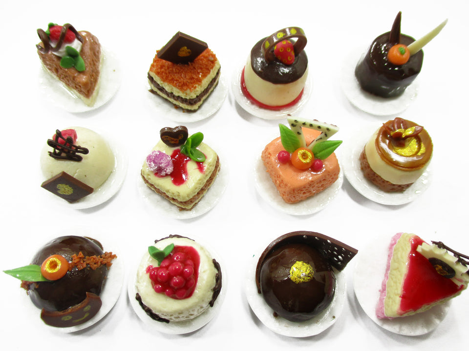 Dollhouse Miniatures Food 1:12 Mini Luxury Cake Dessert Ceramic 12 Plates 13937