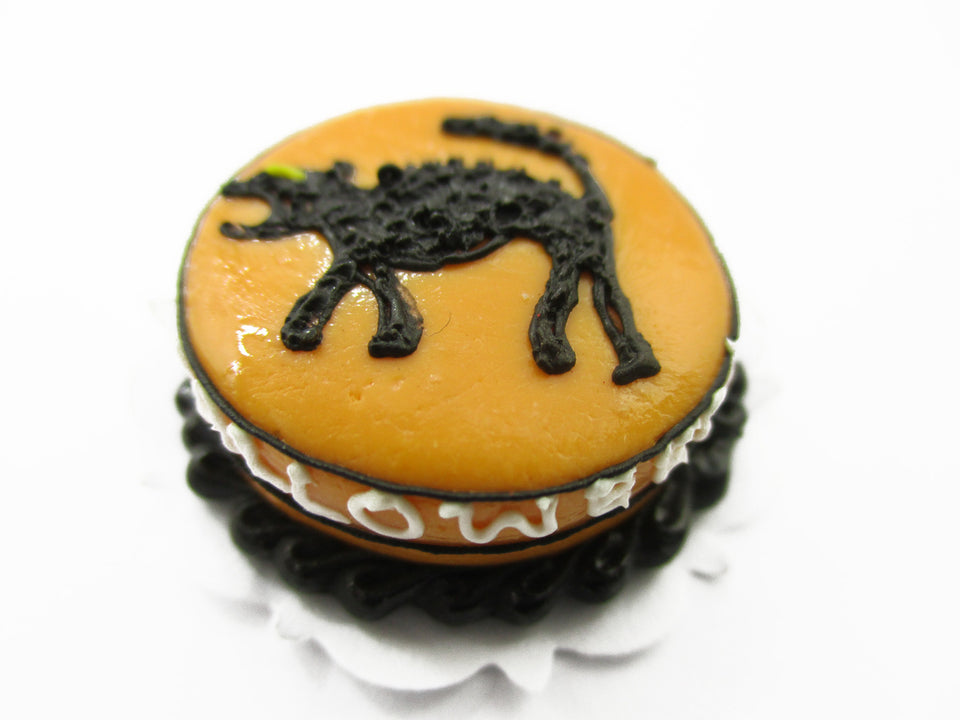 Dollhouse Miniatures Halloween Cake 2 cm Black Cat Seasonal Handmade 13977
