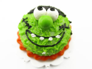 Dollhouse Miniatures Halloween Cake 2 cm Monster Night Seasonal Handmade 13994