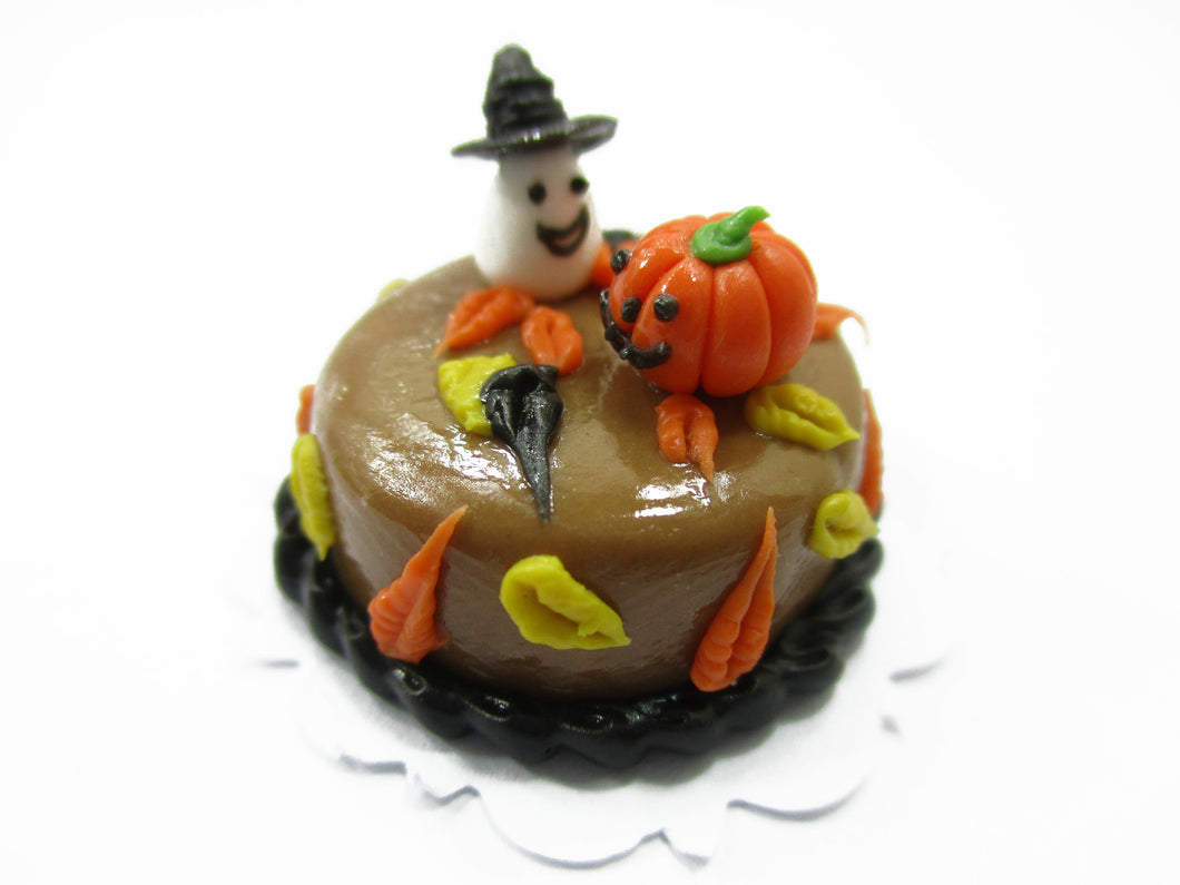Dollhouse Miniatures Halloween Cake 2 cm Witch Seasonal Handmade Holiday 13995