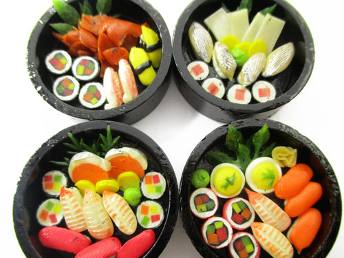 Dolls House Miniatures Japanese Food 4 Round Sushi Wooden Lunch Box Supply 14045