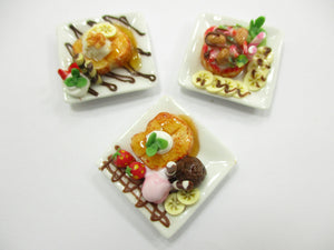 Dollhouse Miniatures Food 3 Honey Toast Fruit Topping Dessert Sweet Plate 14141