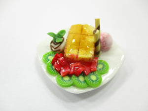 Dollhouse Miniatures Food Honey Toast Fruit Topping Dessert Sweet Plate 14148