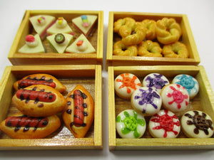Dollhouse Miniature Food 4 Bakery Bread Tray Crate Display Supply 14421