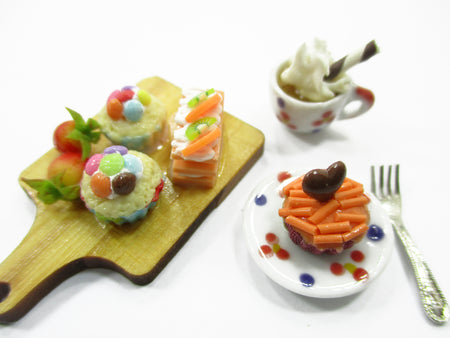Dollhouse Miniature Food Cupcake Tart On Wooden Board Coffee Set Supply 15250