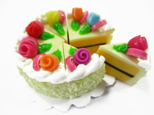 Dollhouse Miniatures Food 8 Cuts Slice Vanilla 3 cm Cake Rose Supply 15376