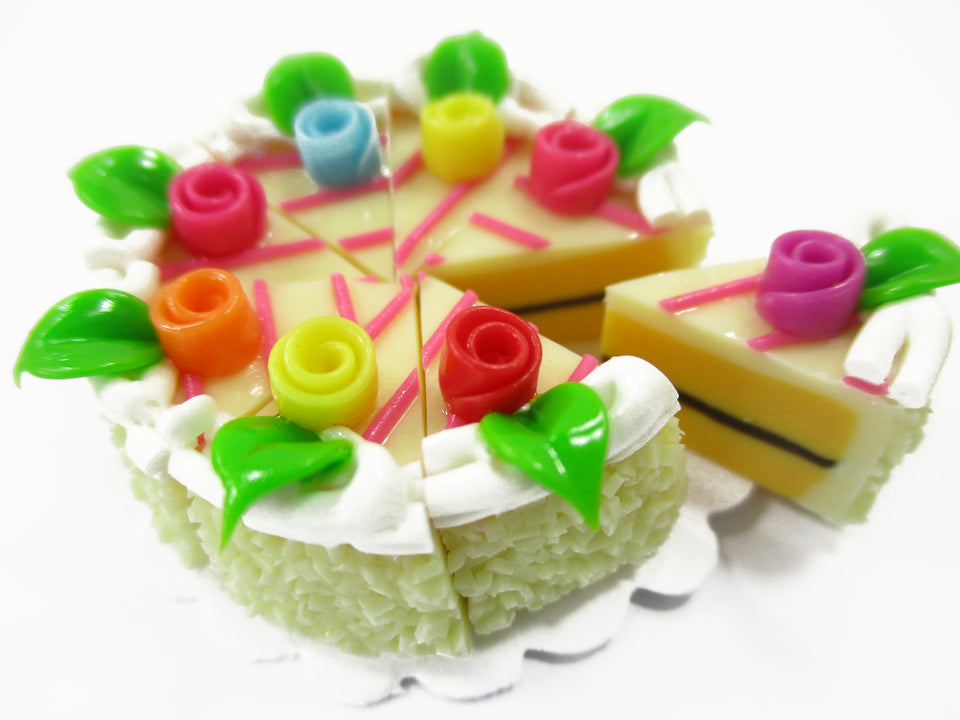 Dollhouse Miniature Food 8 Cuts Slice Vanilla 3 cm Cake Rose Flower Supply 15379