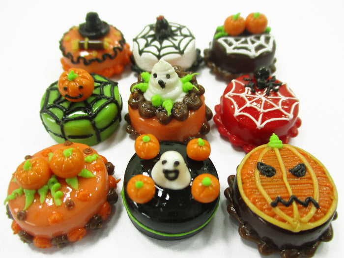Dollhouse Miniature Food 9 Mini Halloween Mixed Cake 1.5 cm Bakery Supply 15452