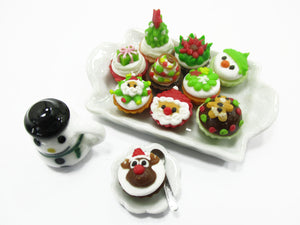 Dollhouse Miniature Food Christmas Cup Cake Snowman Seasonal Tiny Food 15485