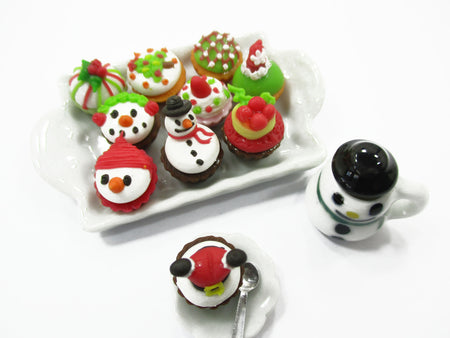 Dollhouse Miniature Food Christmas Cup Cake Snowman Holiday Dollhouse Food 15486