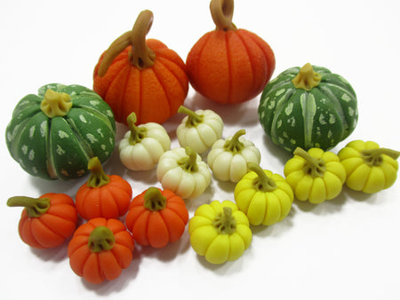 Dollhouse Miniature Lot 16 Mixed Pumpkin Vegetable Halloween Seasonal 15494