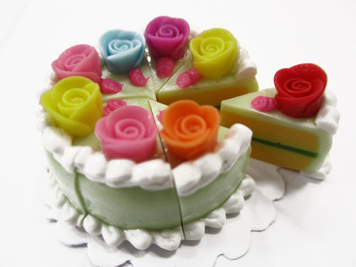 Dollhouse Miniatures Food 8 Cuts Slice Green Cake Rose Flower Supply 15549