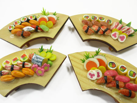Dollhouse Miniatures Japanese Food 4 Sushi Lunch Curve Box Wooden Supply 15688