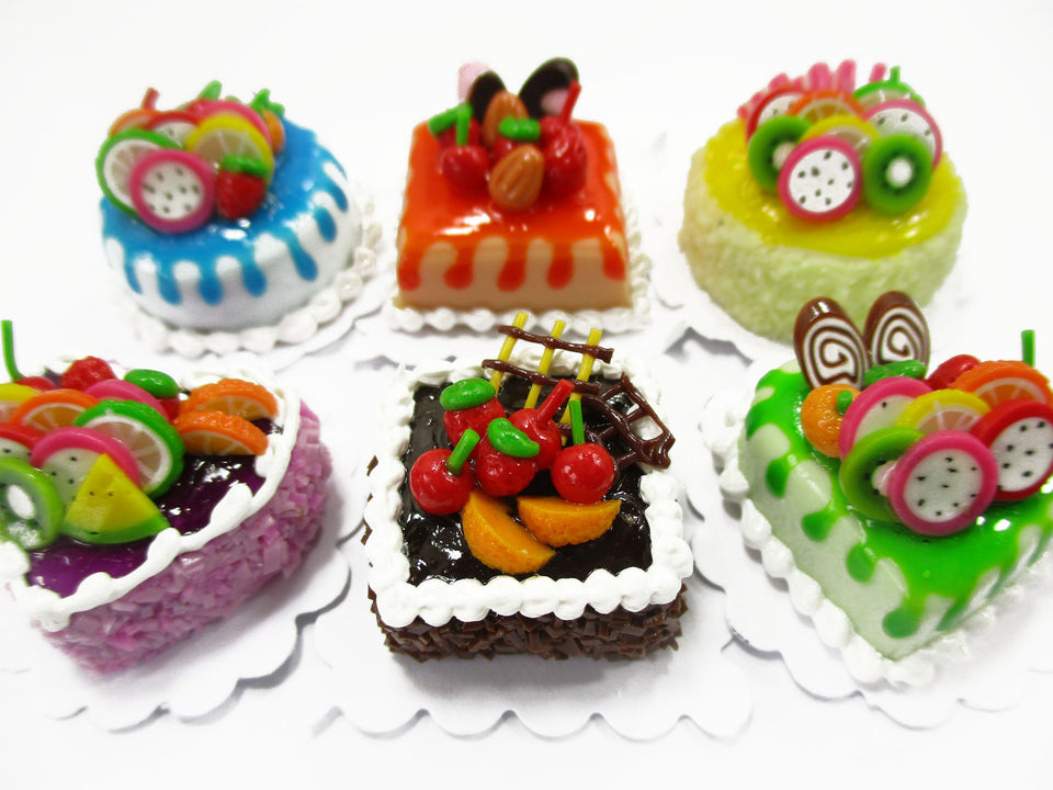 Dollhouse Miniatures Food 2 cm 6 Mixed Color Fruit Cake Tiny Doll Bakery 15718