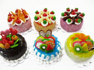 Dollhouse Miniatures Food 2 cm 6 Mixed Color Fruit Cake Tiny Doll Bakery 15724