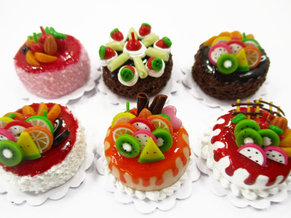 Dollhouse Miniatures Food 2 cm 6 Mixed Color Fruit Cake Doll Food Bakery 15728