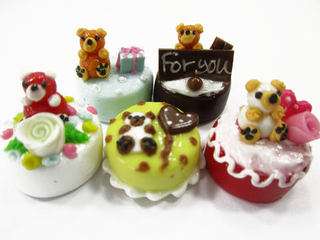 Dollhouse Miniature Food 1.5 cm 5 Mixed Tiny Bear Color Cake Dolls Bakery 15734