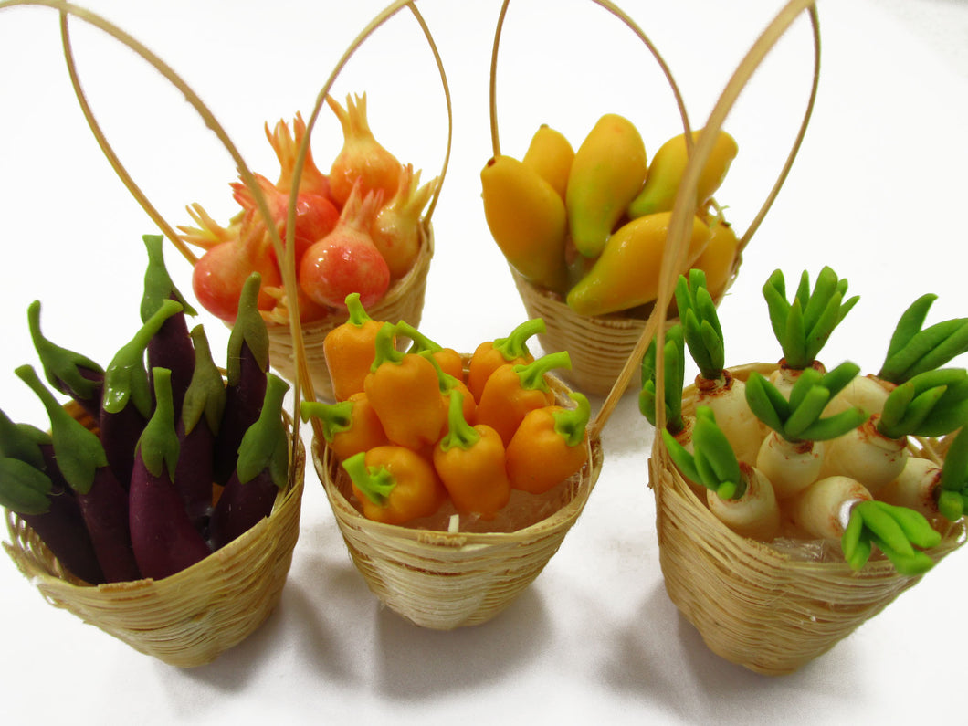 Dollhouse Miniatures Food 5 Wicker Basket Handmade Fruit Vegetable Supply 15746