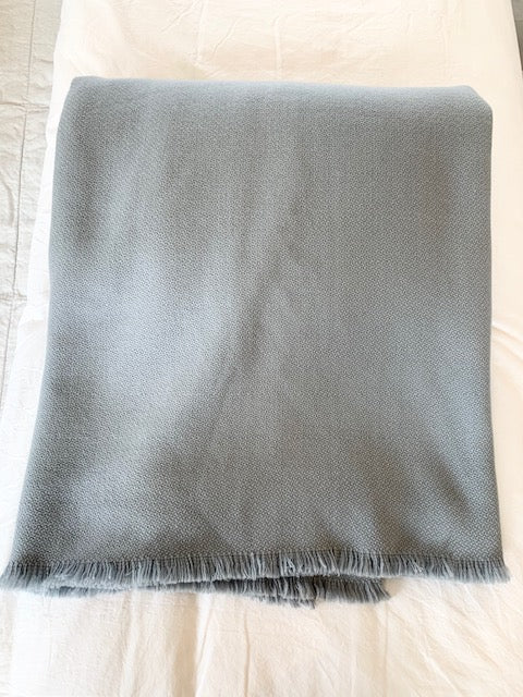 Highrise Queen Blanket w/ Fringe