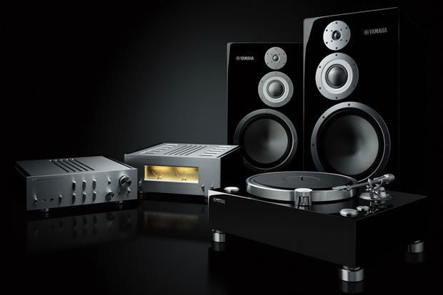 Yamaha GT 5000 turntable, c5000 and m 5000 amplifier