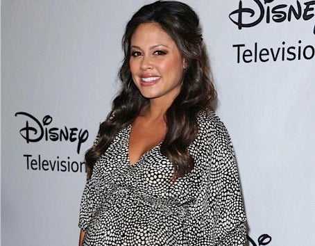 Vanessa Lachey Does it All Belabumbum