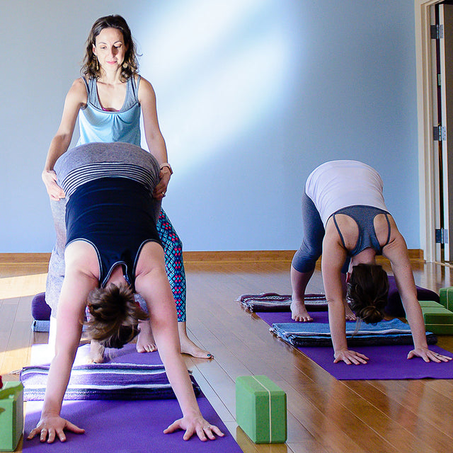 Yoga poses helps pregnant and nursing moms stay fit.