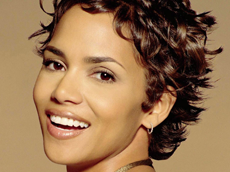 Halle Berry <em>In Style</em>, in Copacabana Lace
