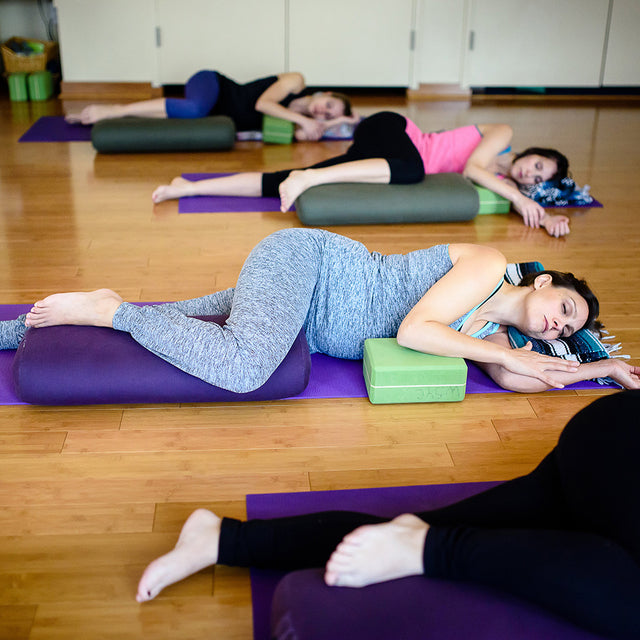 Yoga for new moms is better in Belabumbum activewear.