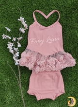 Load image into Gallery viewer, Roses Halter Top